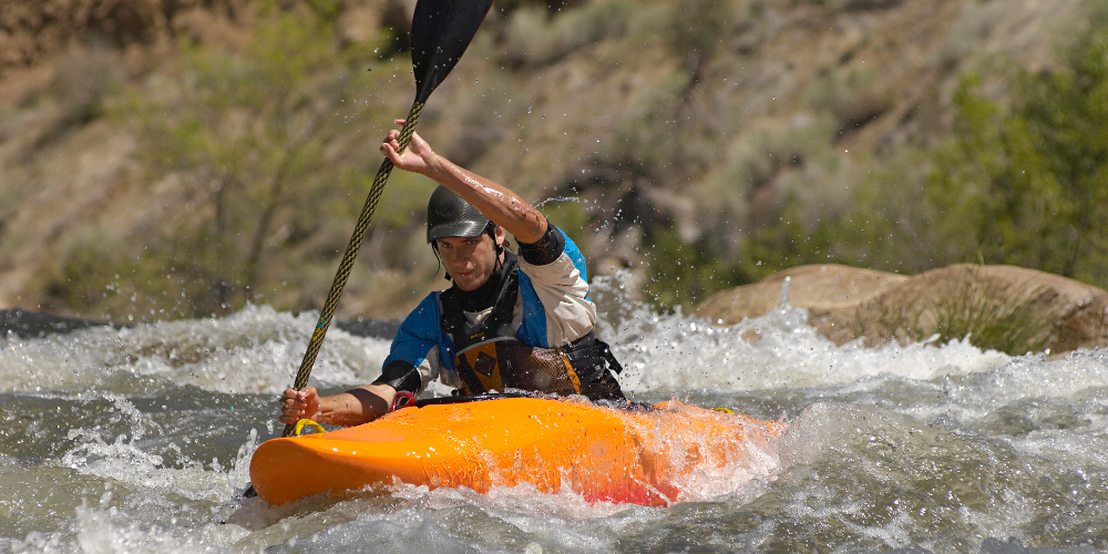 playboating tricks, freestyle kayaking